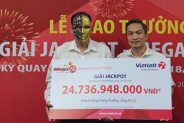 Vietlott trao giải Jackpot hơn 24 tỷ đồng