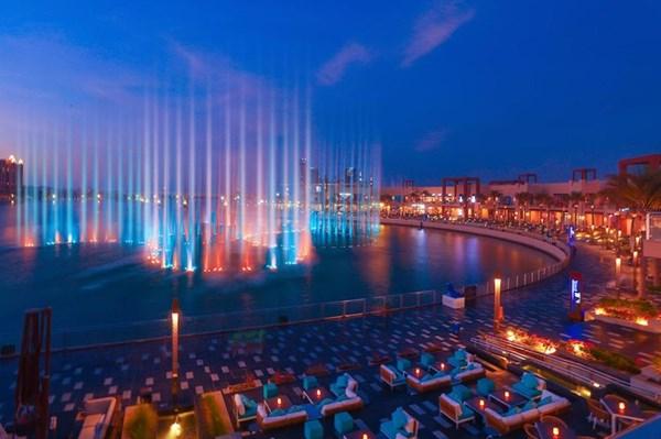 Dubai lập kỷ lục Guiness với đài phun nước lớn nhất thế giới