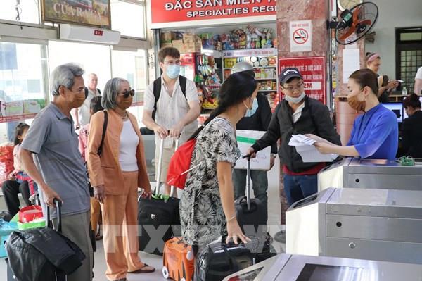 Bộ Giao thông Vận tải yêu cầu hành khách đeo khẩu trang suốt hành trình