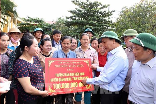 Thủ tướng quyết định tạm cấp 500 tỷ đồng hỗ trợ khẩn cấp các tỉnh miền Trung