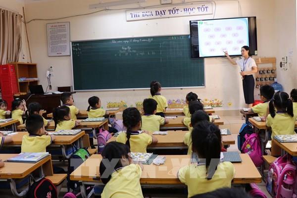 Bộ trưởng Phùng Xuân Nhạ giải trình các vấn đề về sách giáo khoa lớp 1 mới