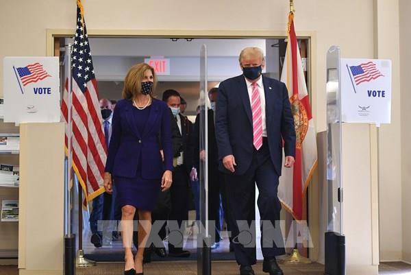 Bầu cử Mỹ 2020: Tổng thống D.Trump bỏ phiếu sớm tại bang Florida