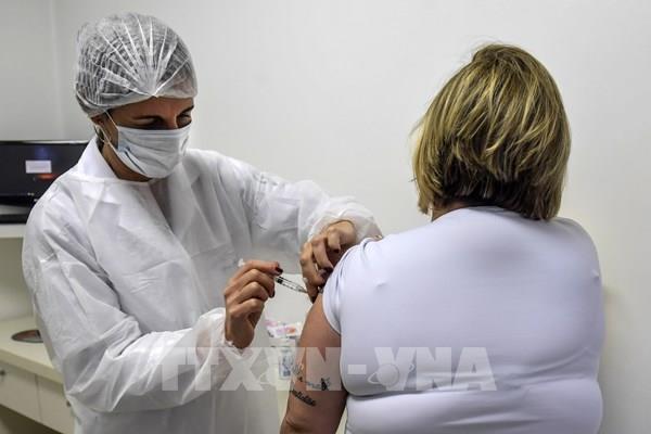 Đến nửa đầu năm 2021, Anh mới có vaccine ngừa COVID-19