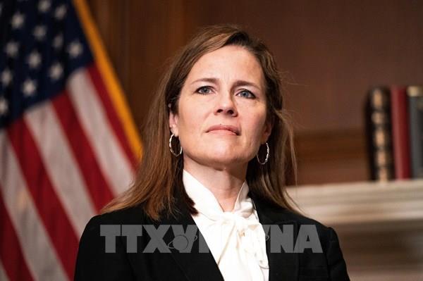 Mỹ: Bà Barrett tuyên thệ nhậm chức Thẩm phán Tòa án Tối cao