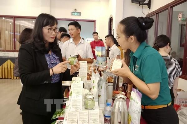 Trái cây Việt Nam đủ tiêu chuẩn đi Mỹ nhưng khó xuất sang Trung Quốc