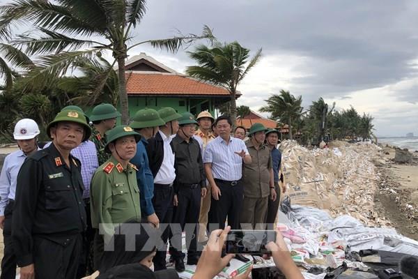 Phó Thủ tướng Trịnh Đình Dũng kiểm tra công tác phòng, chống bão số 9 tại Quảng Nam