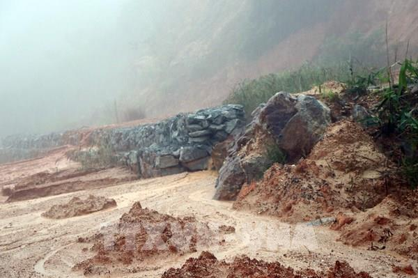 Các tỉnh miền Trung sau trận càn quét của bão số 9
