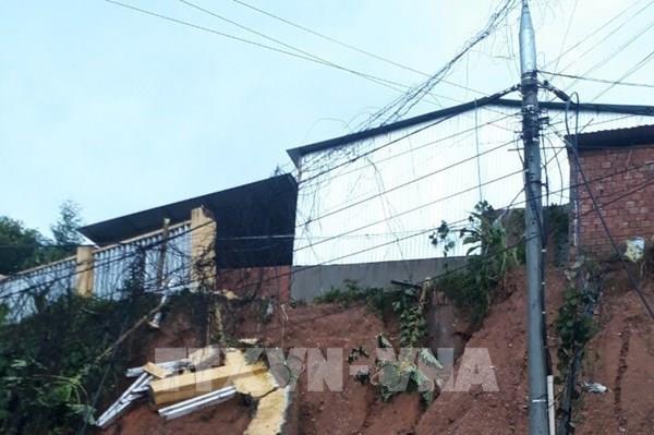 Sạt lở tại Quảng Nam: Đưa 12 người bị thương về Trung tâm Y tế huyện