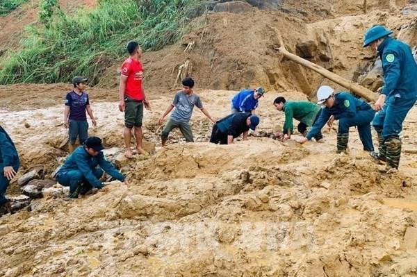 Thủ tướng yêu cầu khẩn trương cứu hộ nạn nhân vụ sạt lở tại Nam Trà My