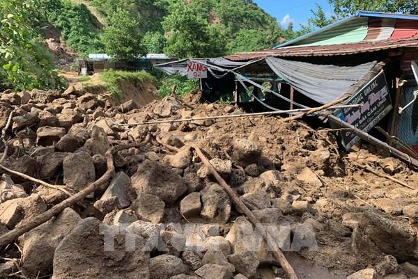 Quảng Trị: Núi Tà Bang (Hướng Hóa) nứt dài 200m, di dời khẩn cấp 165 người dân