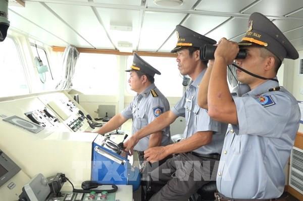Đã cứu được 3 ngư dân Bình Định trôi dạt trên biển