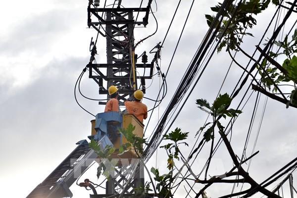 Bình Định khắc phục xong sự cố lưới điện sau bão số 9