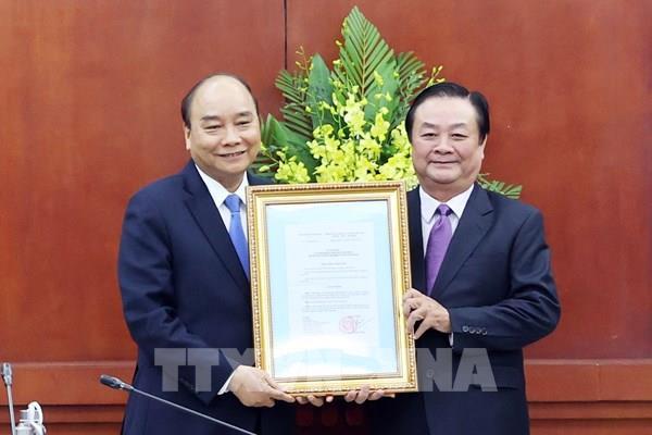 Thủ tướng trao quyết định bổ nhiệm Thứ trưởng Bộ NN và PTNT