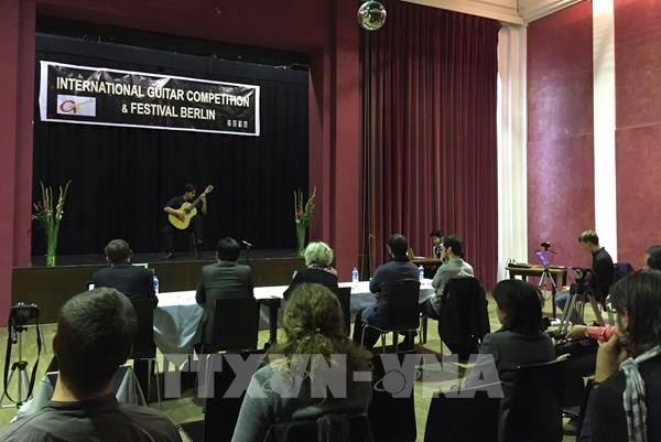 """""""Tổ khúc Kiều"""" được chọn làm bài thi bắt buộc tại Cuộc thi Guitar quốc tế Berlin"""