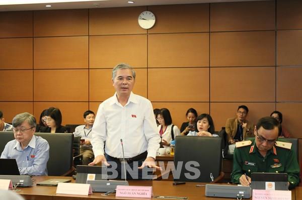 Bên lề Quốc hội: Cân nhắc việc ban hành hai luật chuyên ngành về giao thông đường bộ