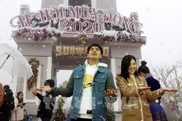 """Đón """"Giáng sinh tuyết trắng"""" tại Lễ hội du lịch mùa đông Sa Pa"""