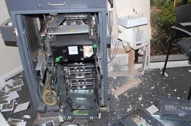 Khủng hoảng do dịch COVID-19 gây ra, tình trạng phá ATM cướp tiền gia tăng