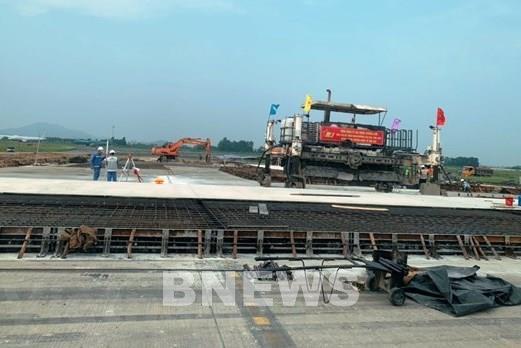 Đường băng được sửa chữa tại sân bay Nội Bài sẵn sàng đưa vào khai thác