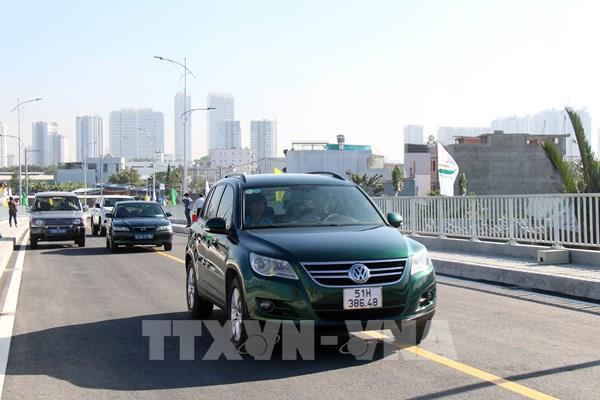 Tp. Hồ Chí Minh thông xe cầu Phước Lộc sau hơn 8 năm thi công