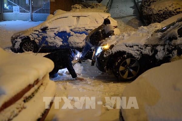 Hơn 1.000 phương tiện ùn tắc vì mưa tuyết ở miền Trung Nhật Bản
