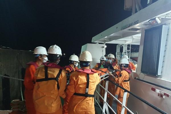 Cứu nạn khẩn cấp thuyền viên tàu QB QB 91439 TS bị tai nạn trên biển