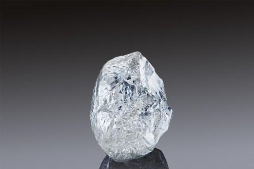 Đấu giá viên kim cương 242 carat quý hiếm của Alrosa vào 22/3/2021
