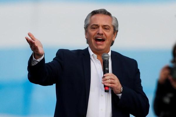 Tổng thống Argentina A. Fernandez dương tính với virus SARS-CoV-2