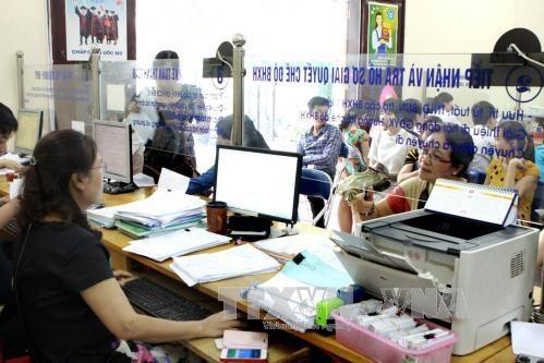 Bảo hiểm xã hội Việt Nam giảm thêm 2 thủ tục hành chính