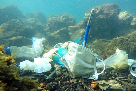 Rác thải khẩu trang - thách thức lớn với ngành tái chế