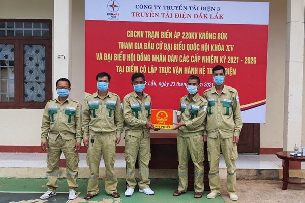 Truyền tải điện Đắk Lắk thực hiện bầu cử tại điểm cô lập trạm biến áp 220 kV Krông Búk