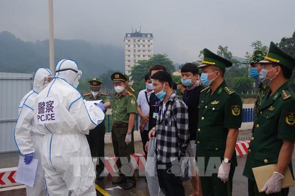 Trao trả nhiều công dân Trung Quốc nhập cảnh trái phép