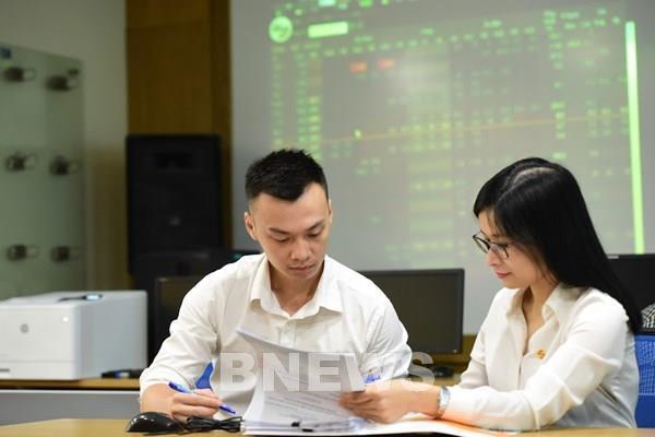 Chứng khoán Việt Nam lập đỉnh mới, chuyên gia nói gì?
