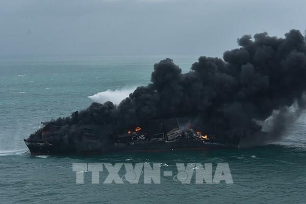 X-Press Pearl ứng phó với nguy cơ tràn dầu từ tàu gặp sự cố tại Sri Lanka