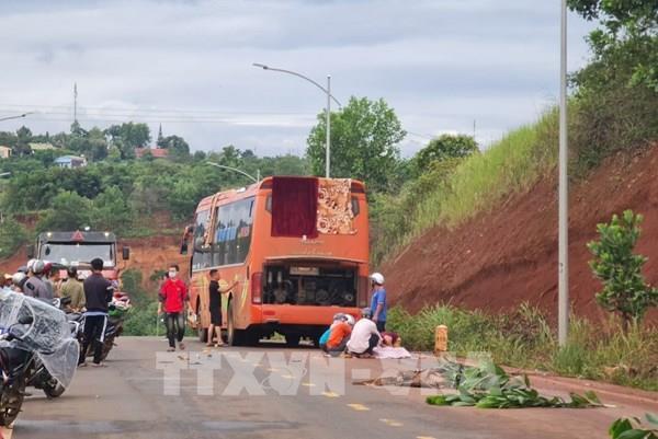 Xe máy đấu đầu xe khách khiến một người tử vong tại Đắk Nông