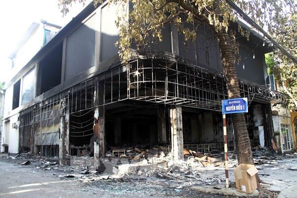 Cháy lớn thiêu rụi phòng trà tại thành phố Vinh, có người tử vong