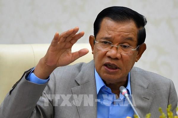 Thủ tướng Campuchia khuyến cáo tạm dừng đi lại qua biên giới để chống dịch