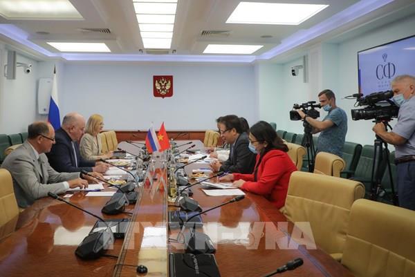 Nga sớm chuyển giao công nghệ sản xuất vaccine ngừa COVID-19 cho Việt Nam