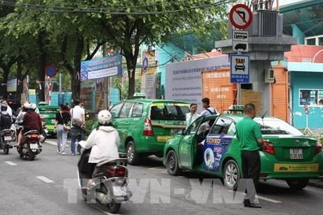 Hà Nội cấp mã số xác nhận bằng tin nhắn với vận chuyển bằng xe taxi
