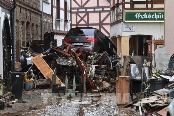 Bảo vệ môi trường: Bỉ và Đức chật vật xử lý lượng rác thải khổng lồ sau lũ lụt