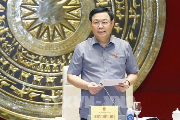 Chủ tịch Quốc hội Vương Đình Huệ chủ trì cuộc họp chuẩn bị tham dự Đại hội đồng AIPA-42