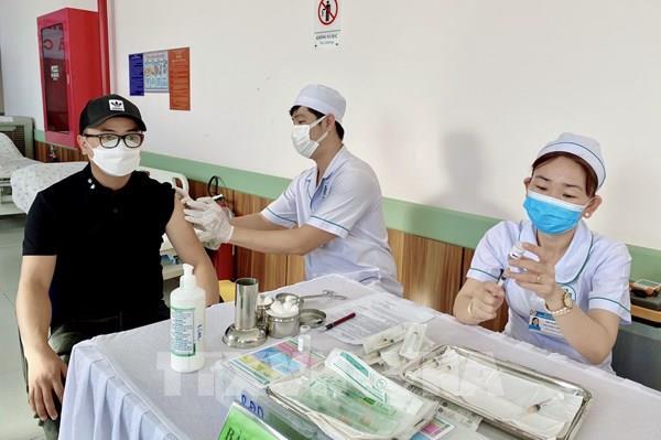 Lâm Đồng kêu gọi lái xe, phụ xe tiêm vaccine phòng COVID-19 trước ngày 17/9