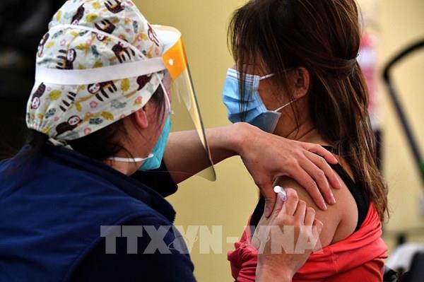 Australia tiêm vaccine phòng COVID-19 của Moderna cho trẻ em từ 12 tuổi