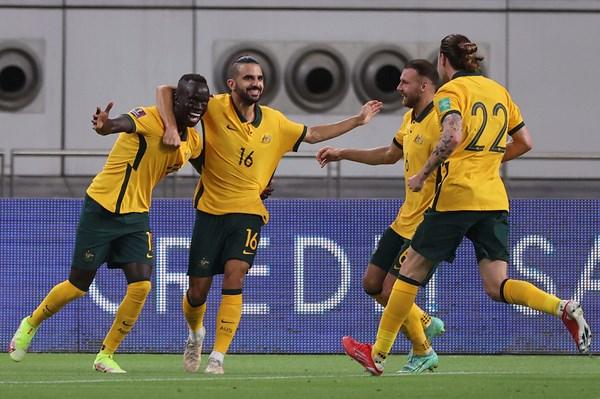 Đội tuyển Australia sử dụng đội hình xuất phát nào trong trận gặp Việt Nam?