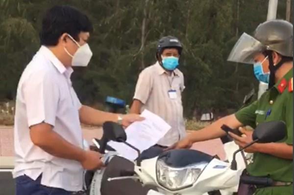 Cảnh cáo Trưởng Ban Kinh tế - Ngân sách Hội đồng nhân dân tỉnh Phú Yên