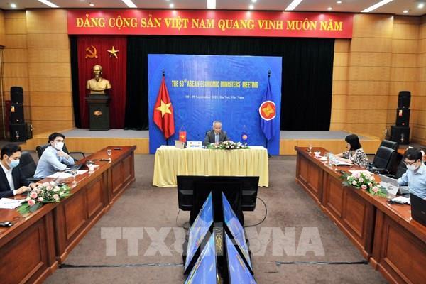 Bộ trưởng Kinh tế ASEAN thảo luận đường hướng vực dậy nền kinh tế của khối