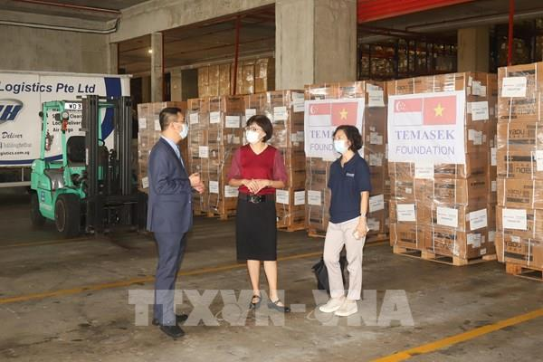 Quỹ Temasek hỗ trợ Việt Nam nhiều vật tư y tế