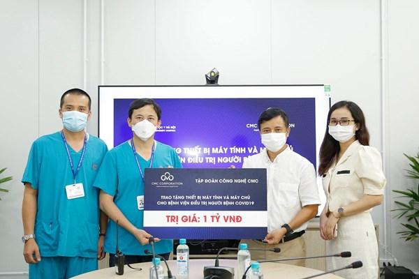 CMC trao tặng máy tính và hệ thống máy chủ cho bệnh viện Đại học Y Hà Nội