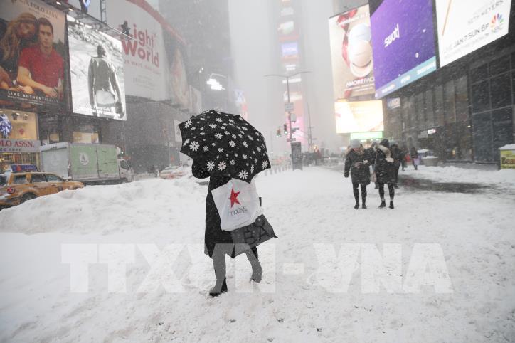 Nước Mỹ tiếp tục lạnh tê tái sau bão tuyết - hình 5