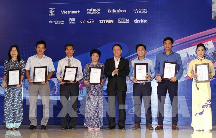Lễ trao Giải báo chí Thông tấn xã Việt Nam 2017 - hình 0