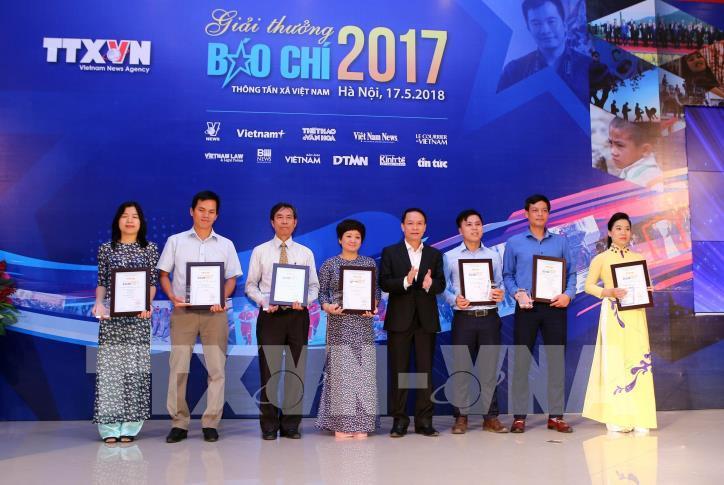 Lễ trao Giải báo chí Thông tấn xã Việt Nam 2017 - hình 2